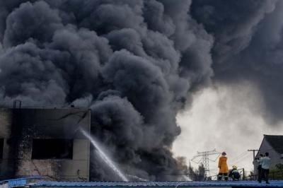 江苏南通化工厂硬脂酸粉尘爆炸事故 8人死亡